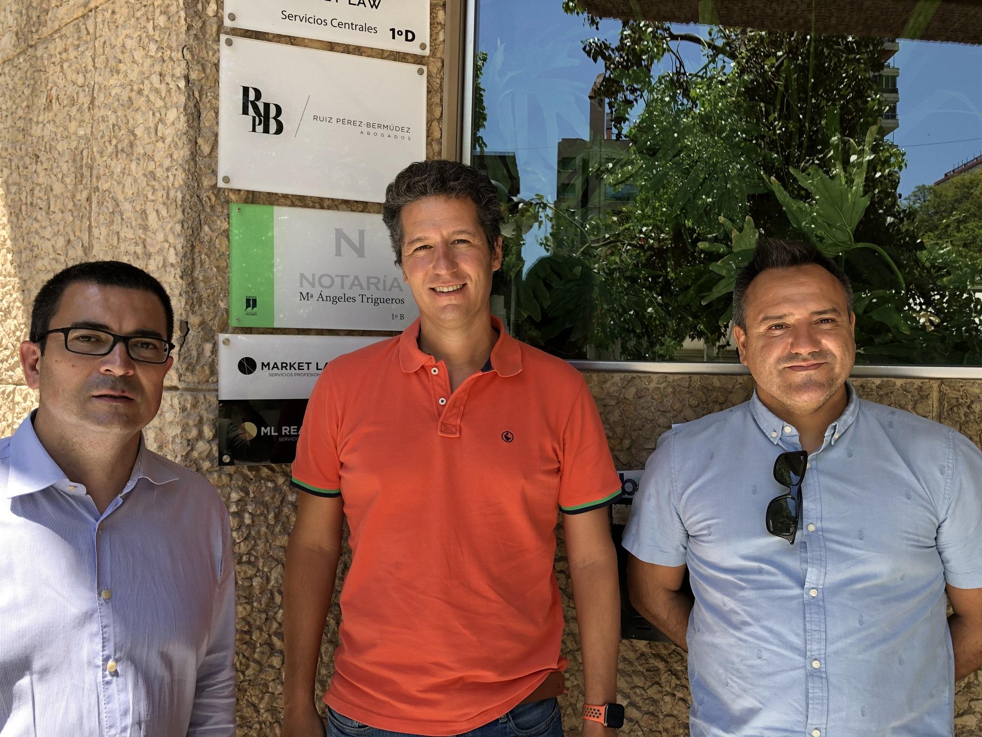 Bernardo Díaz, Juan Esteban y Pablo Oliete el día de la Constitución de IDDI Design el 23 de junio 2020.